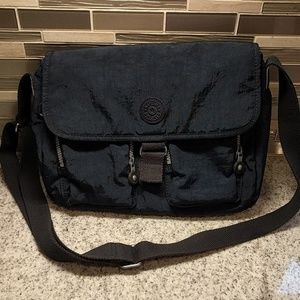 Kipling crossbody fabric purse